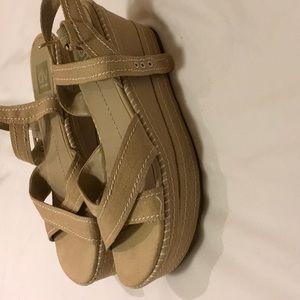 Dolce Vita Platform sandals, size 9